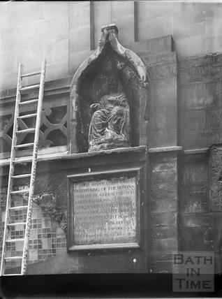 Statue of Bladud, King's Bath, Bath c.1903