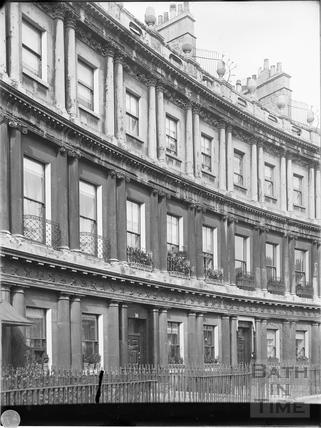 16 to 18, The Circus, Bath c.1903