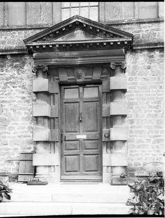 Doorway, Eagle House, Batheaston c.1903
