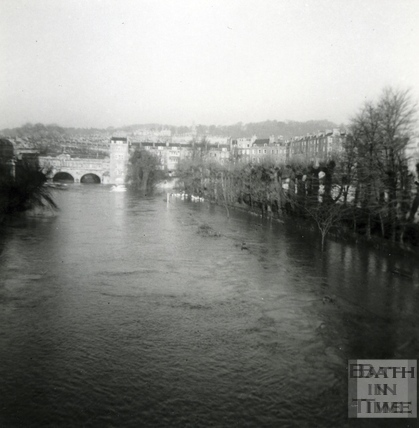 River Avon in flood to Pulteney Bridge Jan 1966