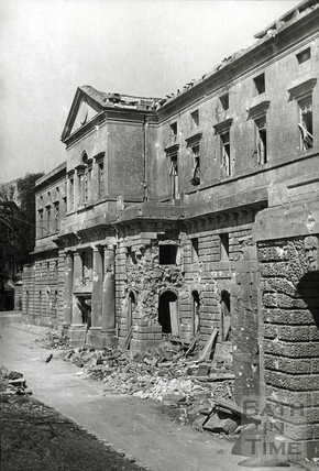 Damage to the west wing of Prior Park College, Bath, April 1942