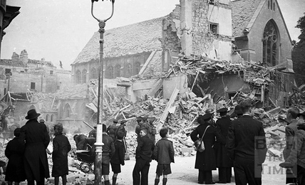 The ruins of Burlington House, next to St Marys Roman Catholic Church in Julian Road April 1942