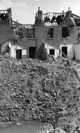Garden bomb crater, Avondale Road, Lower Weston, Bath, April 1942
