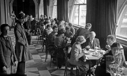 Lunchtime at the British Restaurant, Bath, c.1942
