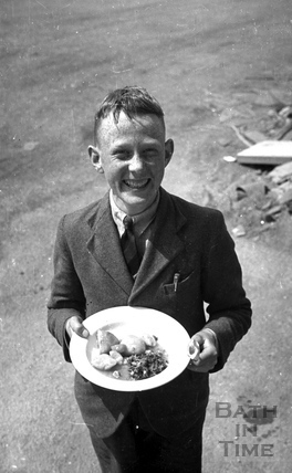 Eat and be happy, during wartime in Bath, April 1942
