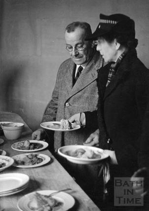 Mealtime in Bath, April 1942
