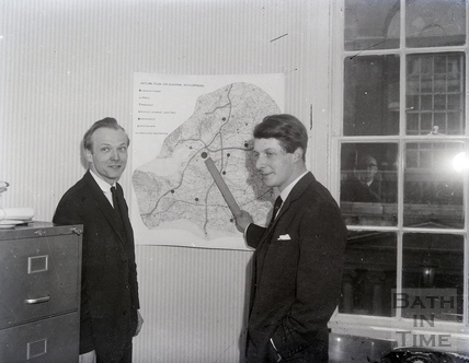 Pointing out the Outline Plan for Regional Development. Date unknown.