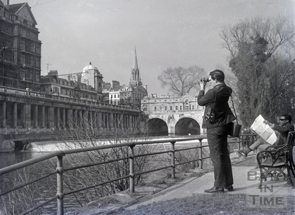Pulteney Weir has always been a popular spot for photographers. Date unknown.