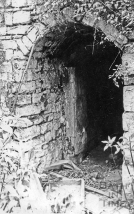Entrance to cellar of 12 Chatham Row July 1967
