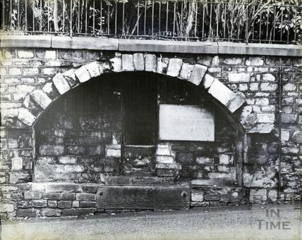 Holloway horse trough, November 1965