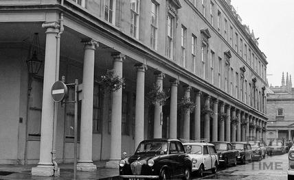 Bath Street looking towards the Abbey c.1978
