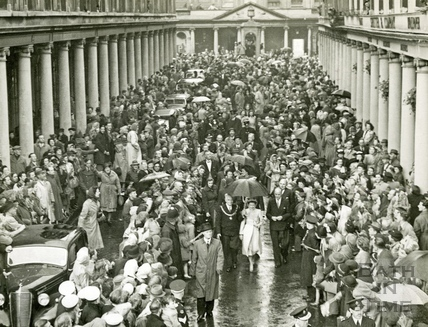 Princess Margaret in Bath Street 1 May 1948