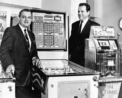 American gaming machine expert Edward J Drynski (left) and Peter Simper 1963