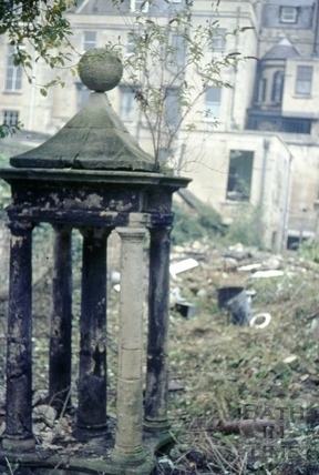 The garden of no. 14 Queen Square, October 1968