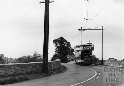 Tram number 22 crossing the New Bridge 1935