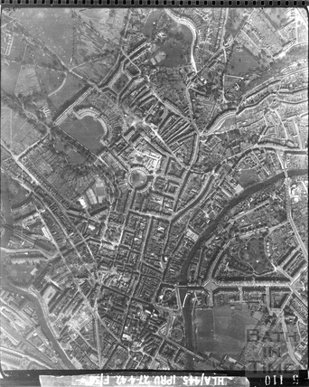 1942 Aerial photograph of Bath City Centre April