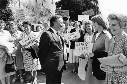 Air Marshall Sir Michael Giddings meets Bathampton bypass campaigners 1 July 1990