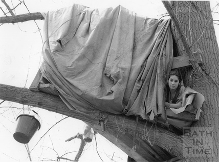 Caroline' a tree-dwelling protester 30 April 1994