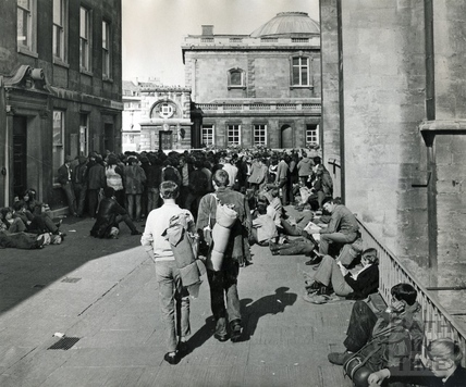 Students congregating in Abbey Churchyard in March 1970