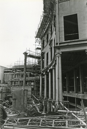 Building the Collonades Shopping centre, Bath Street, Dec 12 1987