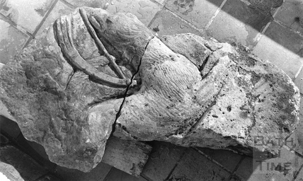 Carved body of Hound 14 Jan 1983