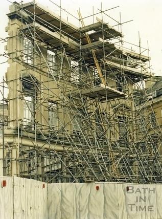 Building the Collonades Shopping centre, Bath Street, Jan 5 1987