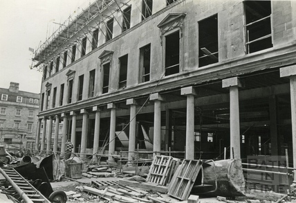 Building the Collonades Shopping centre, Bath Street, Dec 12 1987
