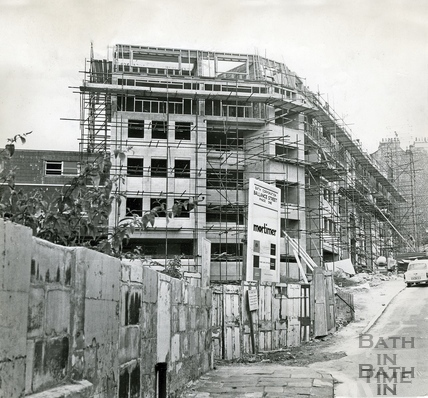 The new Ballance Street flats on Lansdown Hill, 25 July 1971