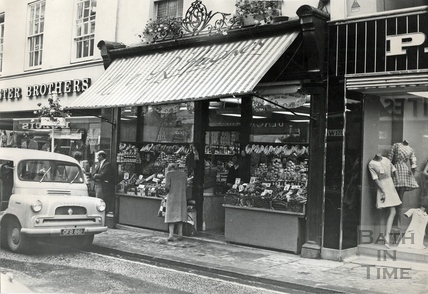 H&R Hughes, greengrocers, August 1968