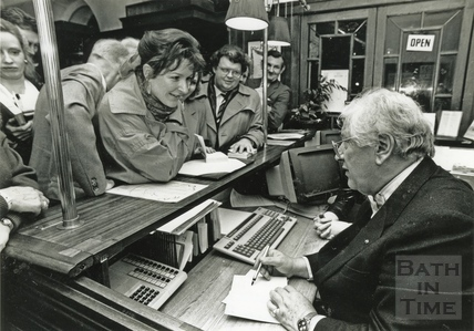 Peter Ustinov signing copies of his autobiography at Bath Theatre Royal, January 1989