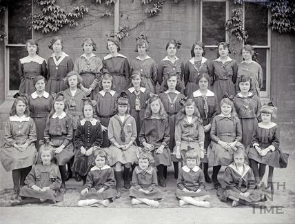 Girls School Class Picture c.1910s