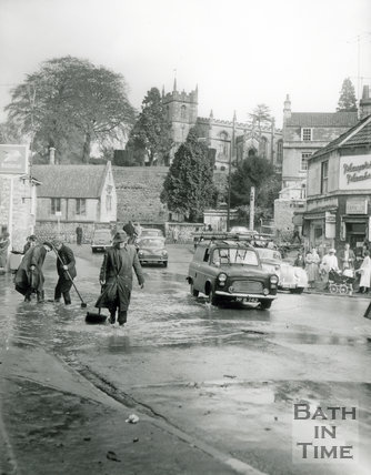 Flooding in Weston High Street