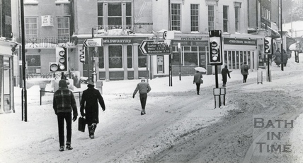 Walking to work in the snow 18 Jan 1982