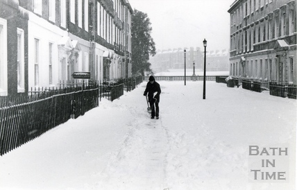 Clearing a Path, Duke Street, 11 Jan 1982