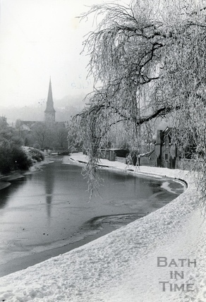 Wintry view on the Kennet and Avon Canal, Widcombe, Bath