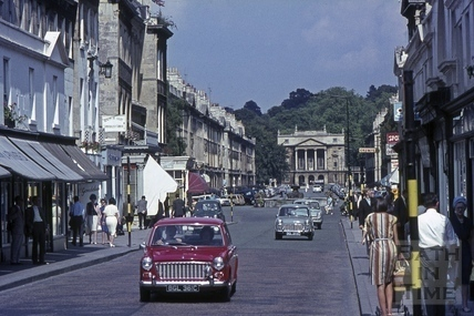 Cars crossing Pulteney Bridge 1965
