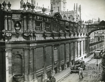 York Street and the corner of the King and Queens Baths, Bath, c.1950s