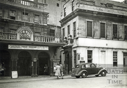 Theatre Royal and Beau Nash's House, Sawclose c.1930s