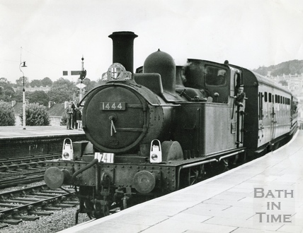 Steam train No 1444 at Bath Spa Station. Date unknown