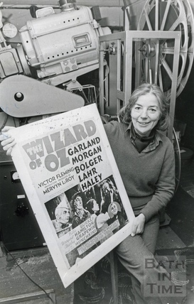 Mrs Hilary King with a poster of the Wizard of Oz, 28 Jan 1986