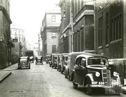 Traffic outside the Mineral Water Hospital, Upper Borough Walls, c.1930s