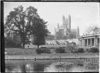 Bath Abbey from Institution Gardens 1934