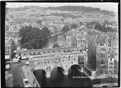 View from the Empire Hotel of Pulteney Bridge c.1937