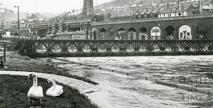 Floods on the Avon at Broad Quay c.1963
