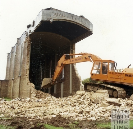 The demolition of St Peters Church, Westfield, Radstock, 28 Oct 1986