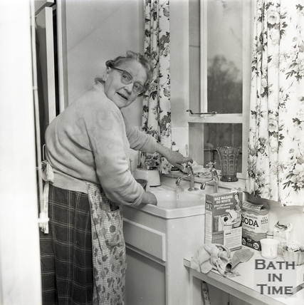 Mrs Alice Williams, resident of the newly built Green Park House, Jan 1964