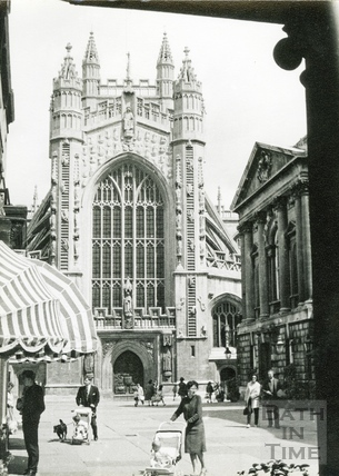 Abbey West front from Abbey churchyard c.1960s