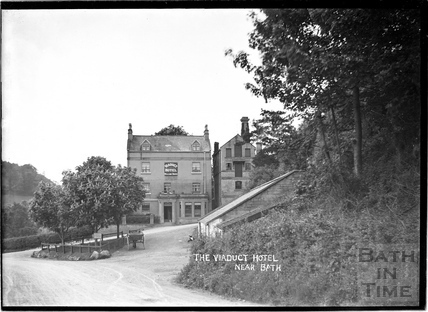 The Viaduct Inn, Brassknocker Hill c.1904