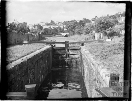 Lock on the Kennet and Avon Canal, Bathwick, Bath July 1954