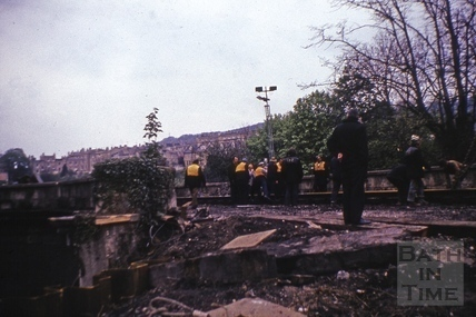 Laying the track on the new Pulteney Road rail bridge, Oct 1975